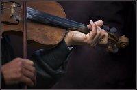 Hands-playing-violin-.jpg