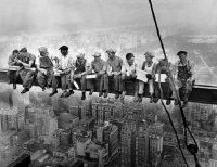 munkások.jpg