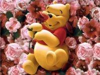 Winipooh_On_Roses.jpg